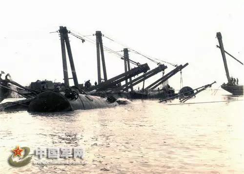 """中国海军建军69周年 从""""麻雀真小五脏俱无""""到五大兵种俱全"""