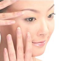 眼部精华霜和眼霜的区别