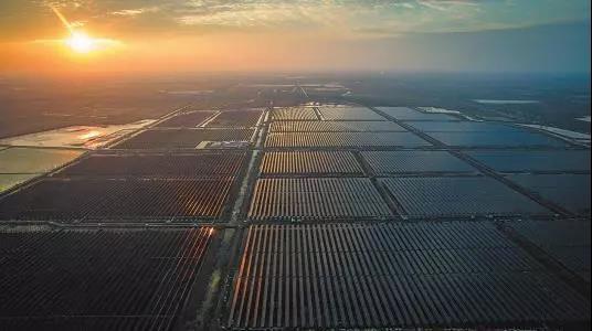 """一季度中国光伏发电351亿千瓦时 市场""""双升双降"""""""