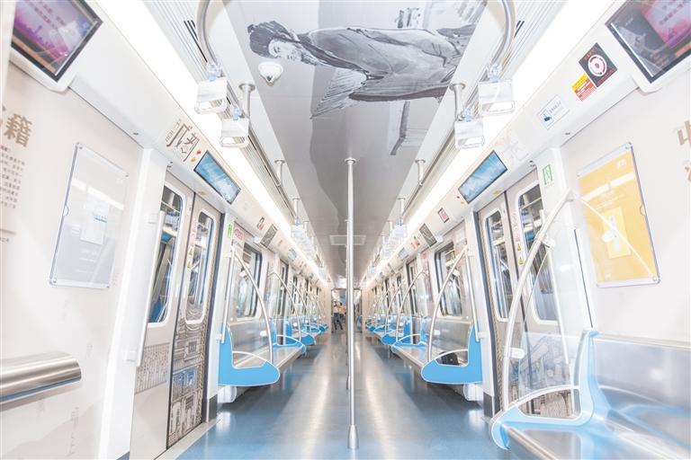 成都首开书香号地铁 6节车厢以形态各异的书籍主题呈现