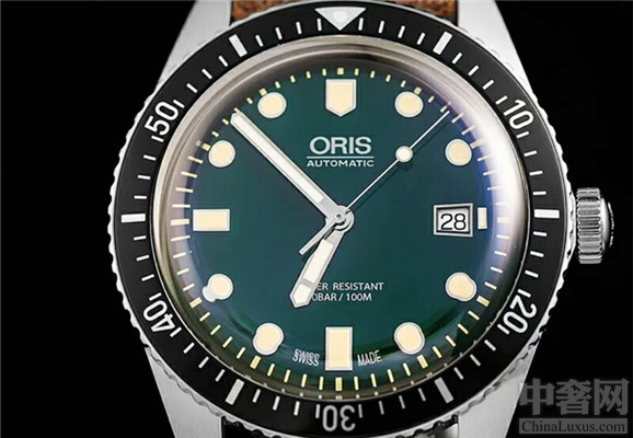 豪利时65年复刻版潜水腕表 时尚大气