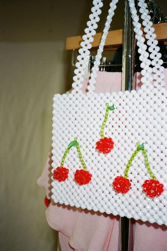 时尚软萌的珍珠串包介绍 你值得拥有