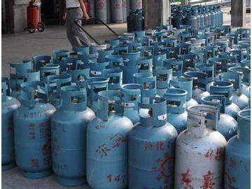 许昌市查出违法私设灌装液化气窝点
