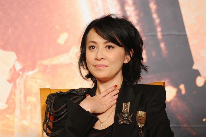 刘嘉玲回应年龄造假:翁静晶可能是认错人了