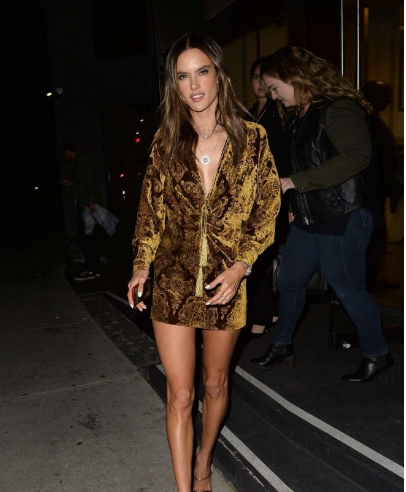 Alessandra Ambrosio洛杉矶外出参加派对街拍