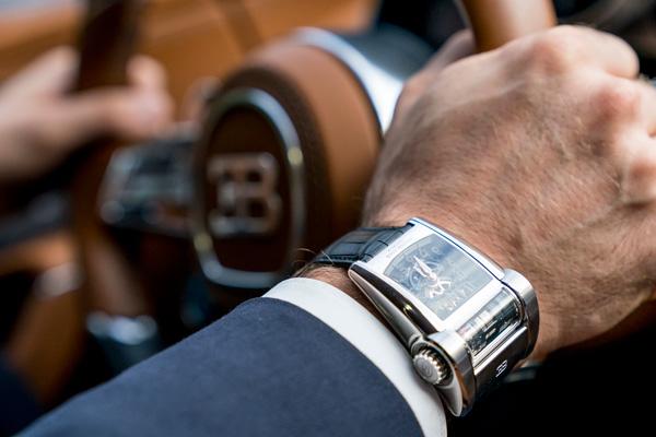 帕玛强尼推出全新版Bugatti Type 390腕表