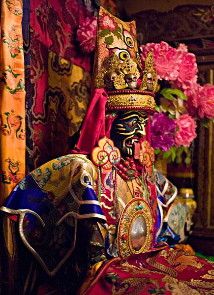 拉萨特大文物盗窃案告破 追回8尊佛像