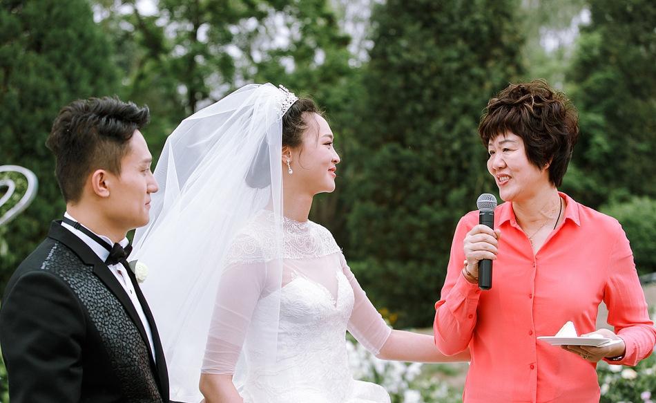 惠若琪泪洒婚礼现场 昔日队友皆出席