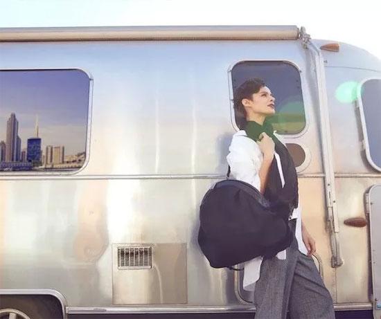 素唯轻旅行风背包 陪你披星戴月