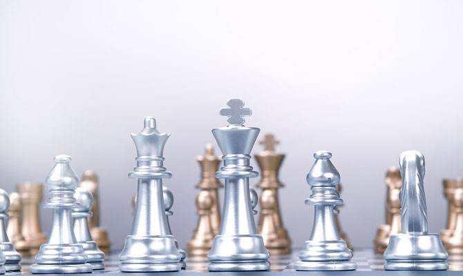 纸白银走V字步 鲍威尔讲话透露什么信息?
