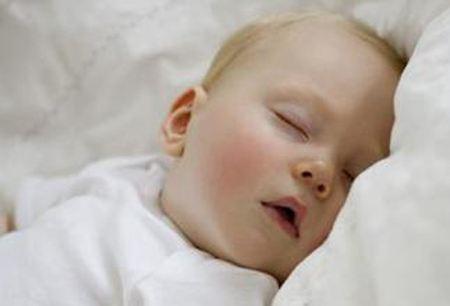 宝宝出汗多是什么原因