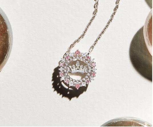 """""""网红""""逐渐成为时尚潮流的方向标 她们佩戴的珠宝首饰也受到了更多人关注"""