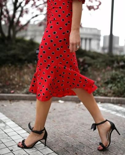 夏季凉鞋款式优选 爱美就穿这几款
