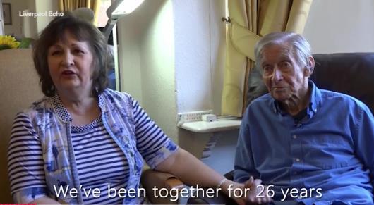 痴呆老人爱上妻子 只要努力活着就一定会有好事发生
