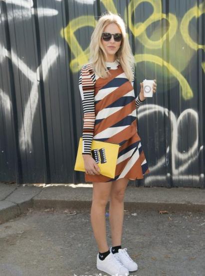 夏季显瘦新利器 斜条纹半身裙