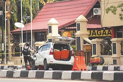 印尼警察总部遭袭 包括一名警察在内的5人死亡