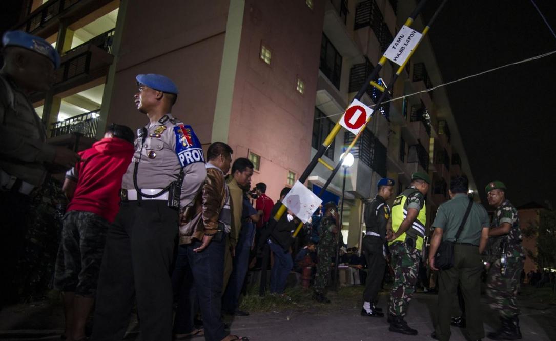 印尼警察总部遭袭击 经济前景黯淡货币一路贬值