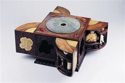 皇帝的玩具盒 仿佛风车一般可以旋转