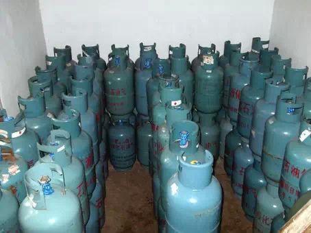 盐城对两家液化气供应站突击检查 发现已充装无码气瓶