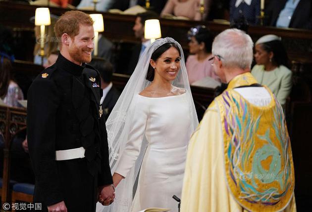 哈里王子大婚提振英国经济 10万人见证哈里王子大婚