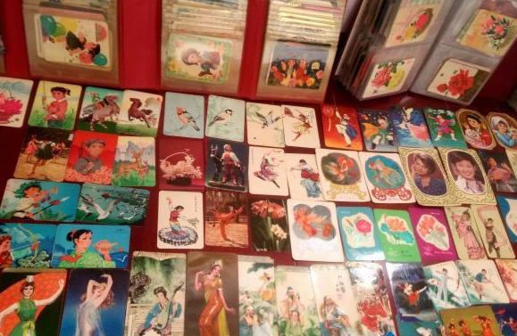 收藏年历片 不同年代不同特色