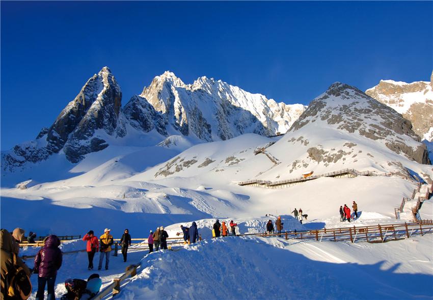 冰川公园日限游客 人数控制在1万