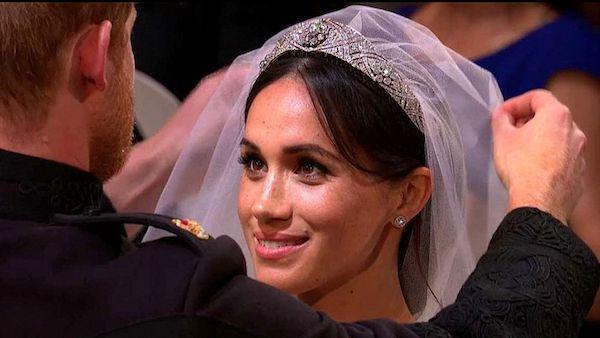 从哈里王子大婚 悉数英国王室的传奇珠宝故事