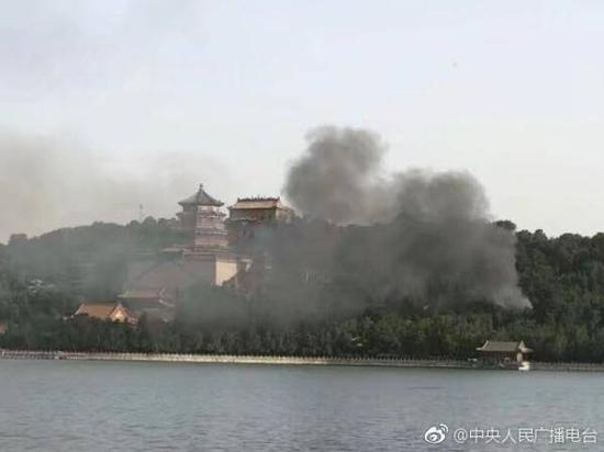北京清末建筑房屋起火 文物部门将启动安全隐患排查