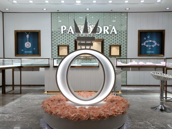 潘宝拉和中国珠宝招商网联手 正式签约合作