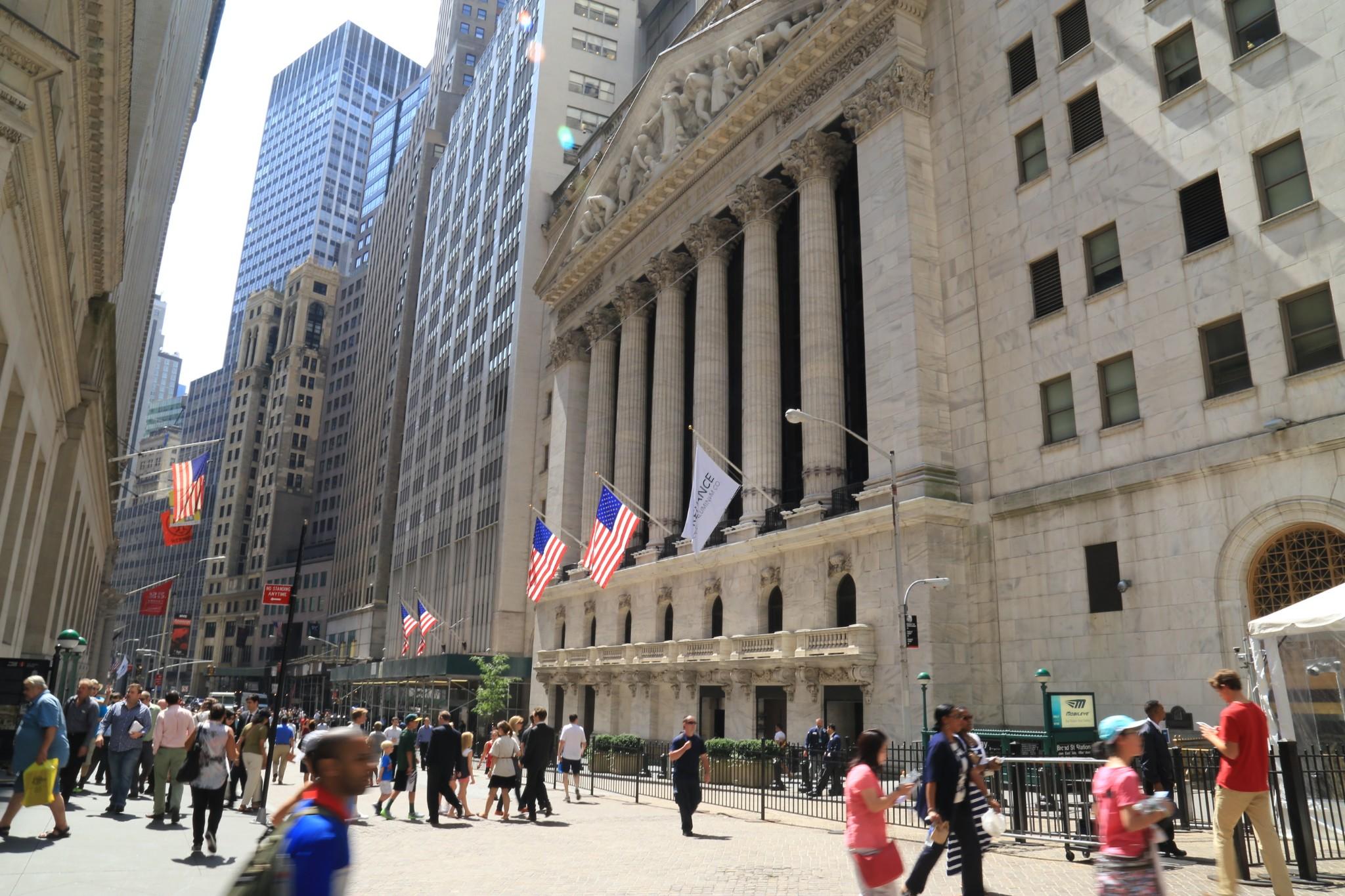 全球投资银行迎三年来盈利最多第一季度