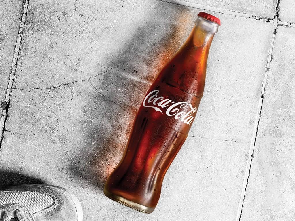 """可口可乐打破132年""""滴酒不沾""""历史 首款柠檬口味气泡酒在日上市"""