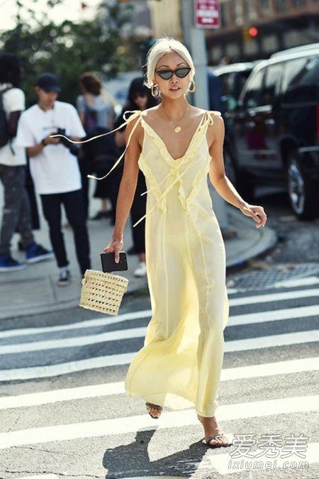炎炎夏日 浅色系仙女裙才是小仙女们的标配