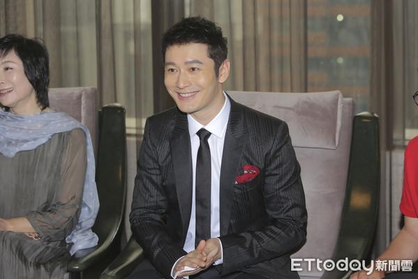 黄晓明表示希望二胎要女儿 但尊重baby想法