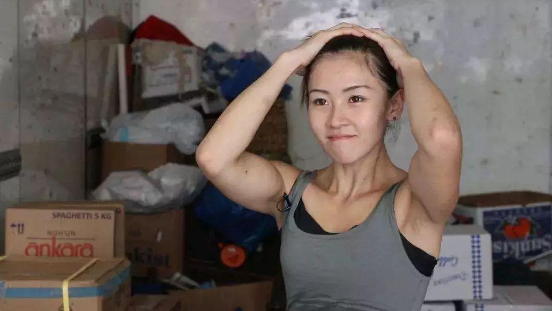 香港最美搬运工 200公斤的货对她只是小菜一碟