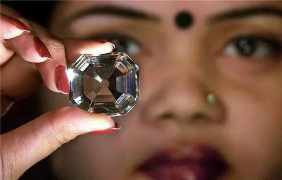 """IBM发布""""AI+区块链"""" 运用于钻石供应链"""