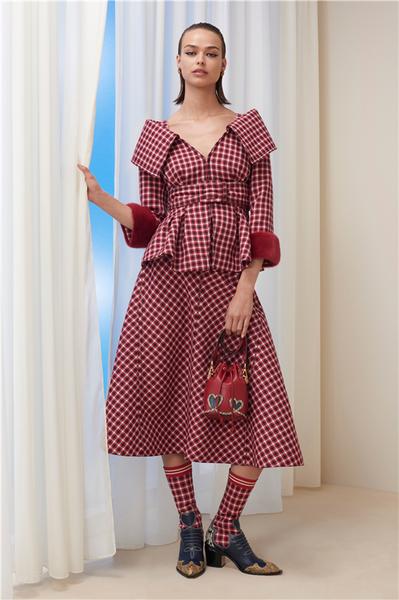FENDI 2018早秋女装系列 散发出浑然天成而又精致摩登的柔美气息