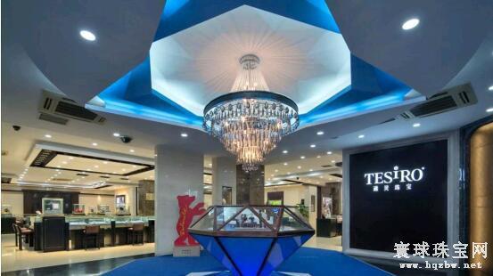 为什么珠宝店的珠宝看起来特别的璀璨夺目 其实都是灯光的功劳