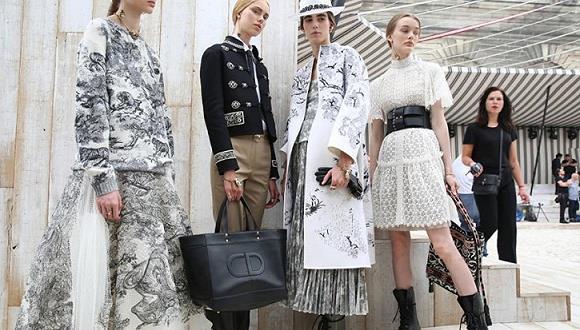 迪奥Dior Resort2019早春系列走进法国尚蒂伊城堡的巨型马厂