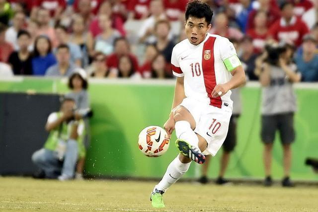 郑智完成国家队百场 中国男足却不得不面对另一个尴尬