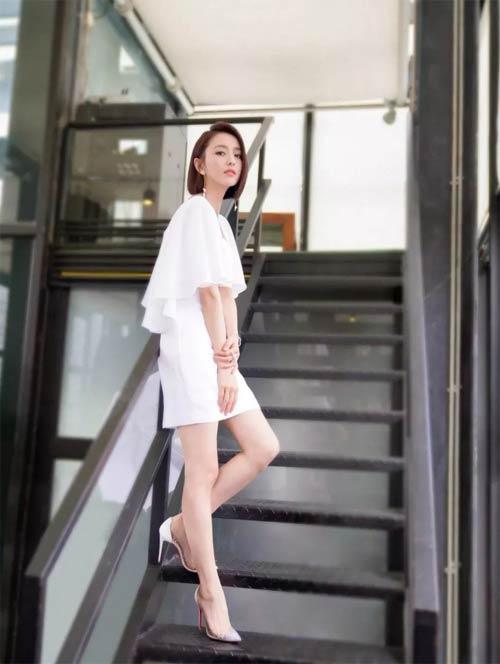 清新飘逸小白裙 让你在炎炎夏日也能拥有一丝清凉感