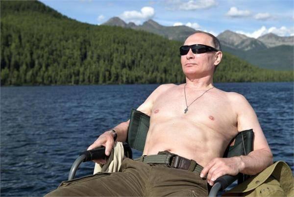 普京回应半裸照:我没有什么可遮遮掩掩的