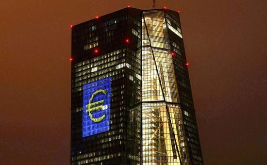 """欧洲央行料年底前结束QE 美元强劲势头画上""""休止符""""?"""