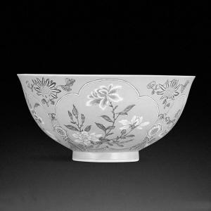 感受拍卖史上罕见亿元瓷碗的精致奢华