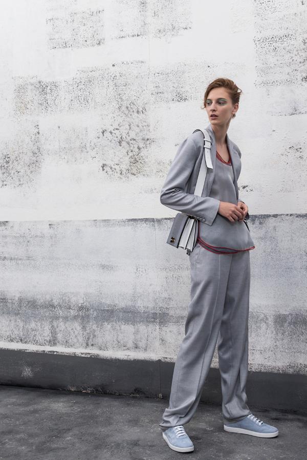 Giorgio Armani释出2019早春度假系列时尚型录