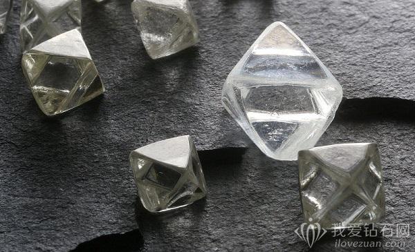 De Beers(戴比尔斯)第一季度钻石产量同比增长15%