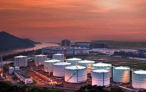 API:美原油库存意外增加83.3万桶