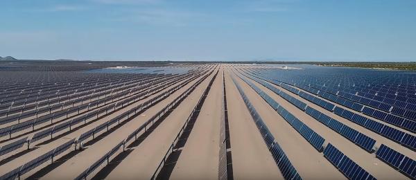 晶科能源为位于墨西哥的美洲最大光伏电站提供754MW组件