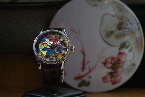 联达珠宝经历两年推出古法工艺珐琅腕表