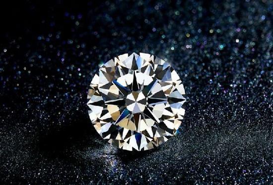 区块链与钻石的结合 改变着人们对传统钻石行业的认知