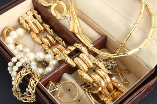 中国财富水平的提高将引发黄金珠宝需求的增长